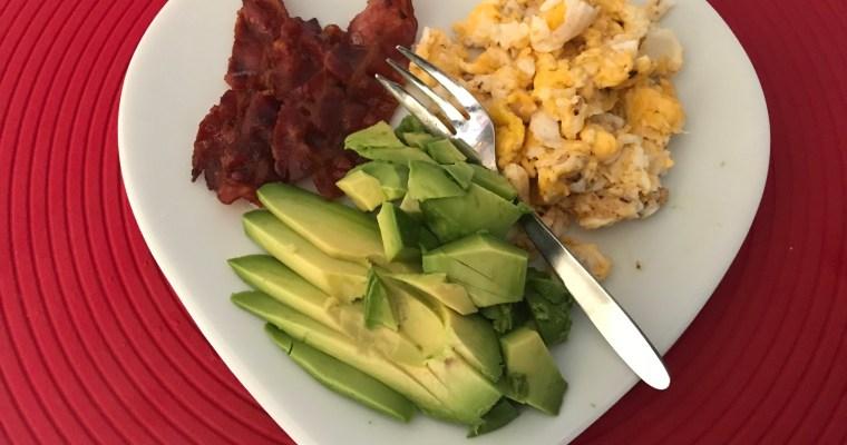 Begin de dag met een ontbijtbordje liefde + 4 andere ontbijtideetjes