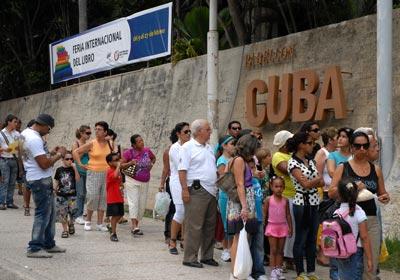 El Pabellón Cuba abrió sus puertas desde al 9 de febrero con propuestas para niños y jóvenes durante la 20 Feria Internacional del Libro, el 14 de Febrero de 2011, La Habana, Cuba. Foto: Calixto N. Llanes/Juventud Rebelde (CUBA)
