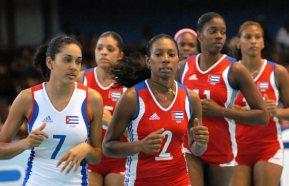 El joven equipo de voleibol femenino cubano entrena en la ciudad deportiva, el 22 de Junio de 2009, La Habana, Cuba. Foto: Calixto N. Llanes/Juventud Rebelde (CUBA)