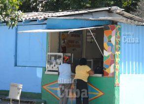 Cafetería en la avenida 10 de Octubre, el 7 de Febrero de 2011, La Habana, Cuba. Foto: Calixto N. Llanes/Juventud Rebelde (CUBA)