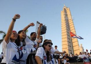Amigos de 63 países expresan su apoyo al pueblo cubano durante el desfile por el Día Internacional de los trabajadores, el 1 de Mayo de 2011, La Habana, Cuba. Foto: Calixto N. Llanes/Juventud Rebelde (CUBA)