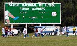 La pizarra mostraba iniciando el segundo tiempo la ventaja del visitante 1-0, el viernes 7 de septiembre de 2012, La Habana. FOTO de Calixto N. Llanes/Juventud Rebelde (CUBA)