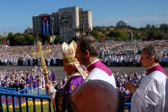 El Papa Benedicto XVI oficia Santa Misa en la Plaza de la Revolución José Martí el 28 de marzo de 2012, La Habana, Cuba. FOTO de Calixto N. Llanes/Juventud Rebelde (CUBA)