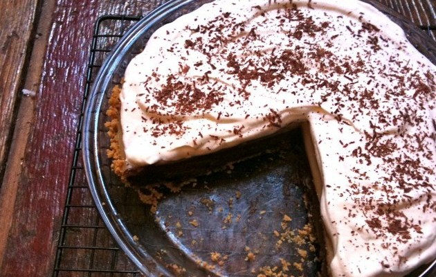 Gluten-Free Chocolate-Peanut Butter Pudding Pie