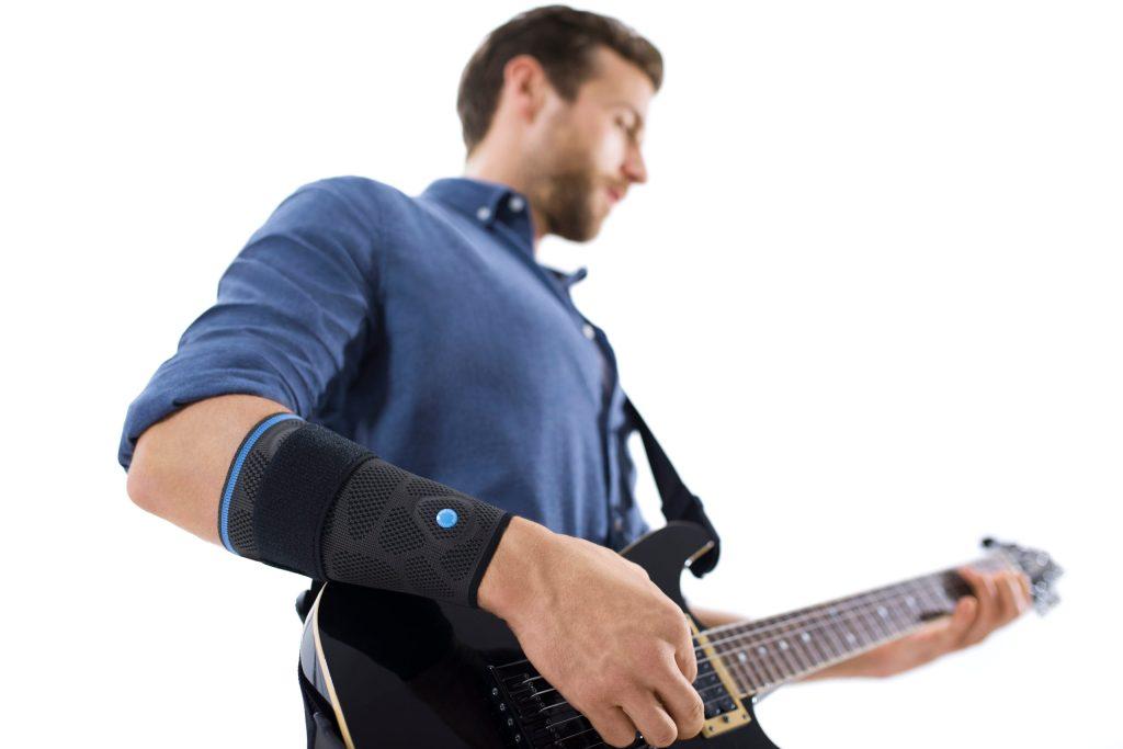 Jede sich wiederholende Belastung kann einen Tennisarm zur Folge haben.