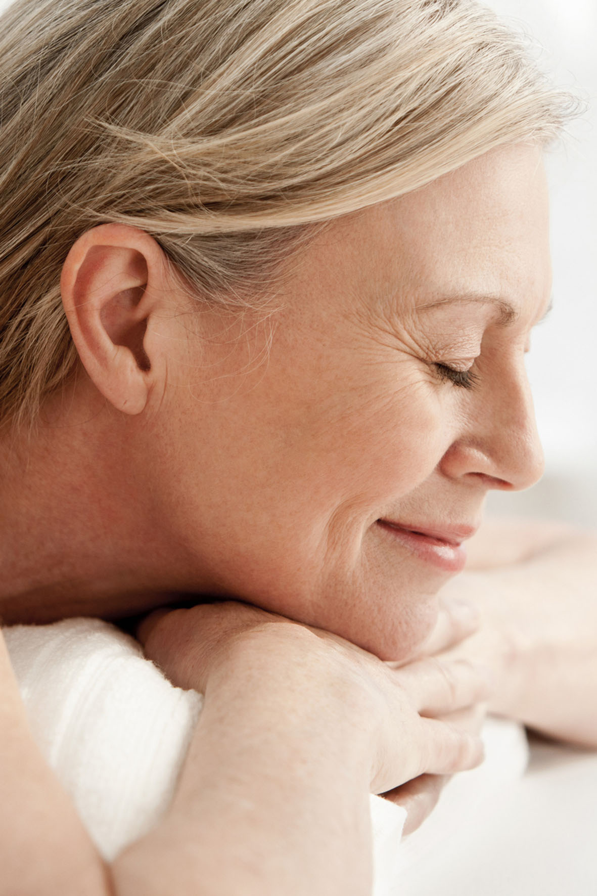 Im Rahmen einer Hormonersatztherapie kann natürliches Progesteron eine erholsame Nachtruhe fördern.