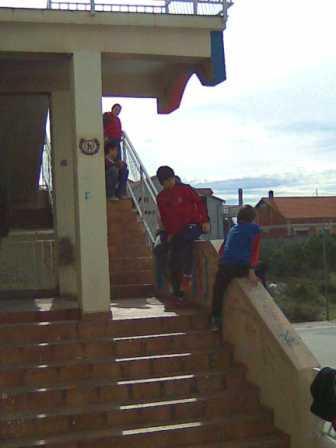Djeca na stepenicama
