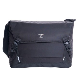 "Hedgren Connect Tie Men's Messenger 15"" Laptop Handbag w Charger, Black"
