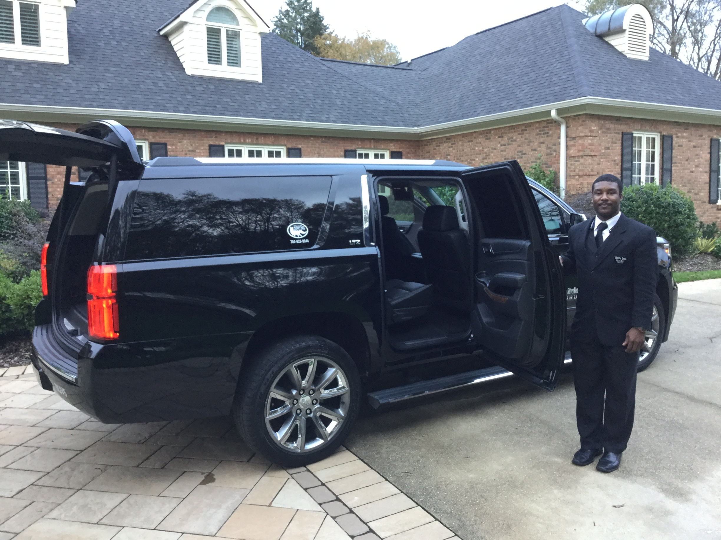 SilverFox Limos Lincoln Limos Hummer Limos Chauffeured