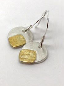 Golden touch earrings