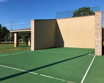 RacquetballCourt