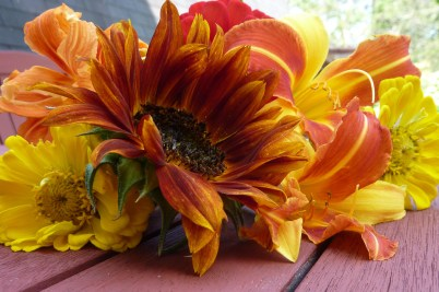 warm colored summer bouquet