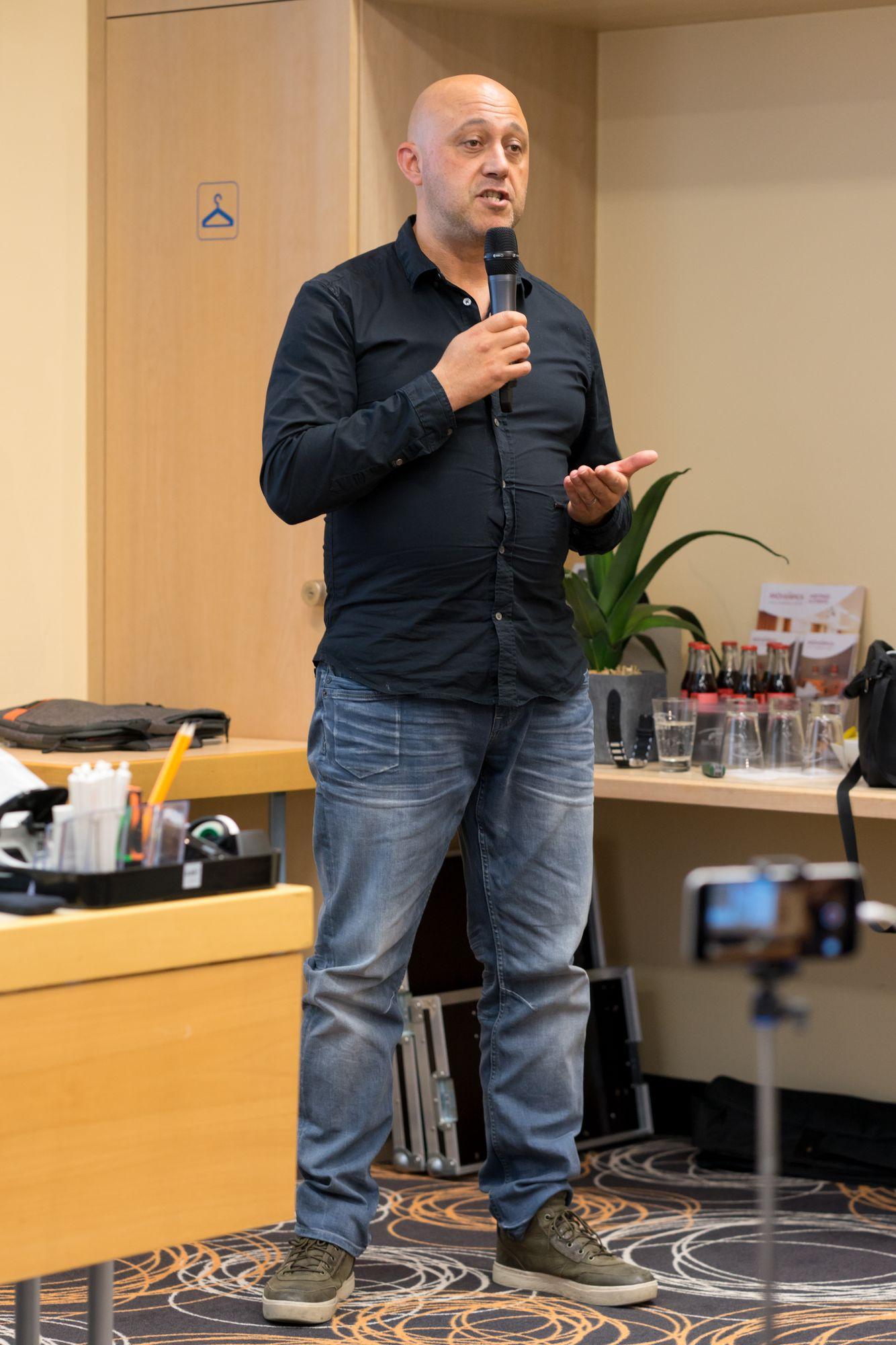 Wassili Birbilis als Sprecher auf dem Builderall Everest 2018 in Nürnberg (Germany)