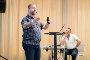 Florian Gutwald als Sprecher auf dem Builderall Everest 2019 in Nürnberg (Germany)