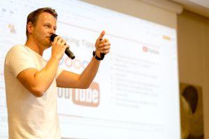 Stefan Beier (Babba Media) als Sprecher auf dem Builderall Everest 2019 in Nürnberg (Germany)