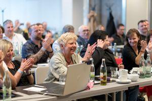 Vera Reinartz, Katharina Kislewski und Monika Pavona im Publikum auf dem Builderall Everest 2019 in Nürnberg (Germany)