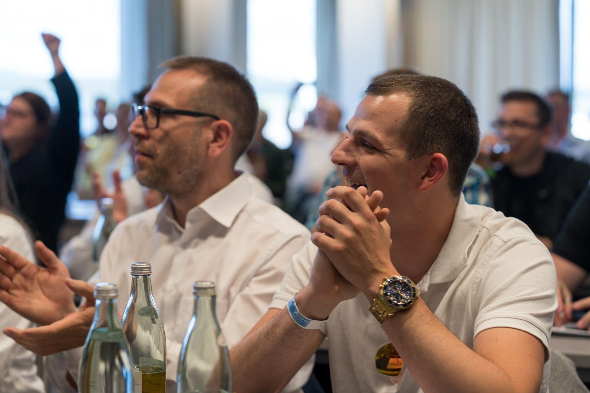 Klaus Schwarzkopf (links) im Publikum auf dem Builderall Everest 2019 in Nürnberg (Germany)