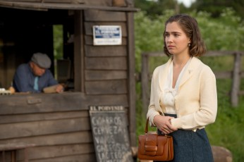 Haley Lu Richardson stars as Sylvia Hermann in OPERATION FINALE, written by Matthew Orton and directed by Chris Weitz, a Metro Goldwyn Mayer Pictures film. Credit: Valeria Florini / Metro Goldwyn Mayer Pictures © 2018 Metro-Goldwyn-Mayer Pictures Inc.  All Rights Reserved.