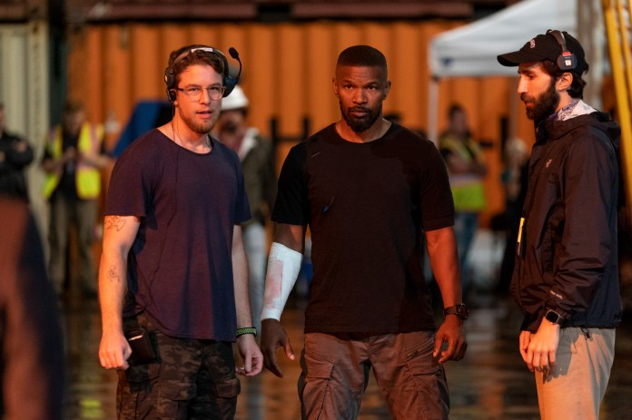 PROJECT POWER (L to R) Director HENRY JOOST and JAMIE FOXX as ART on the set of PROJECT POWER Cr. ALFONSO BRESCIANI/NETFLIX © 2020