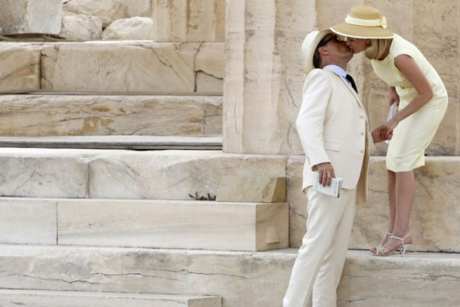 10-15-12-Actors-VIGGO-MORTENSEN-and-KIRSTEN-DUNST-during-the-filming-of-the-movieThe-Two-Faces-of-January-inside-Parthenon-at-the-Acropolis.-1125x750.jpg
