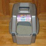 Image of cat supplies litter box