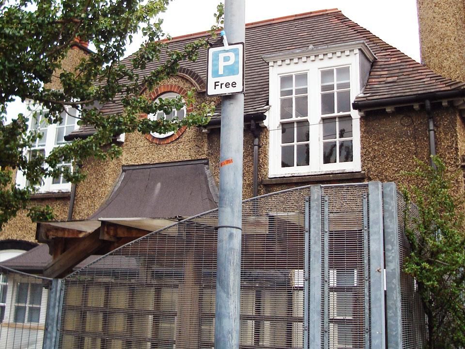 S09 – Sherington Road / Sherington Primary School