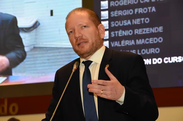 Deputado Othelino Neto