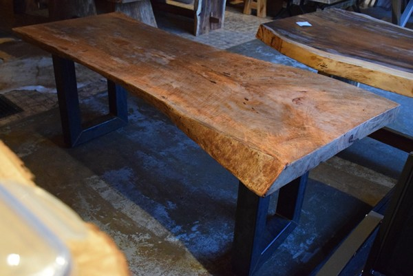 SW-082 suar boomstamtafel tafelblad