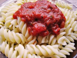 Паста фусили с доматен сос