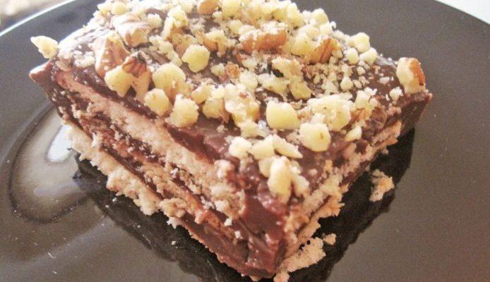 Бисквитена торта с крем пудинг