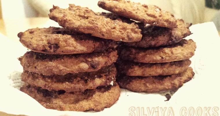 Бисквити с овесени ядки и фурми