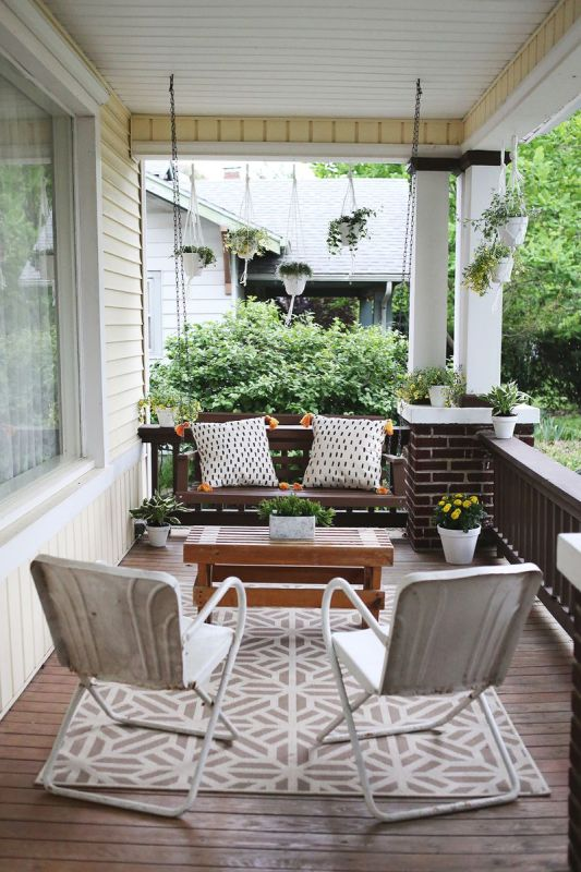Seven Ways to Update Your Exterior in Just One Day | Sima Spaces