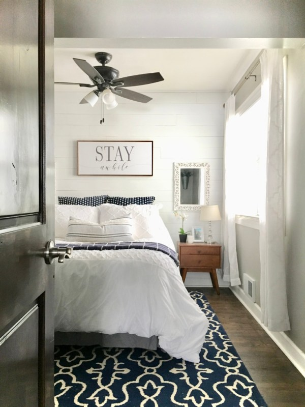 Sima Spaces guest bedroom decor, modern farmhouse decor, DIY faux shiplap wall, blue and white farmhouse decor