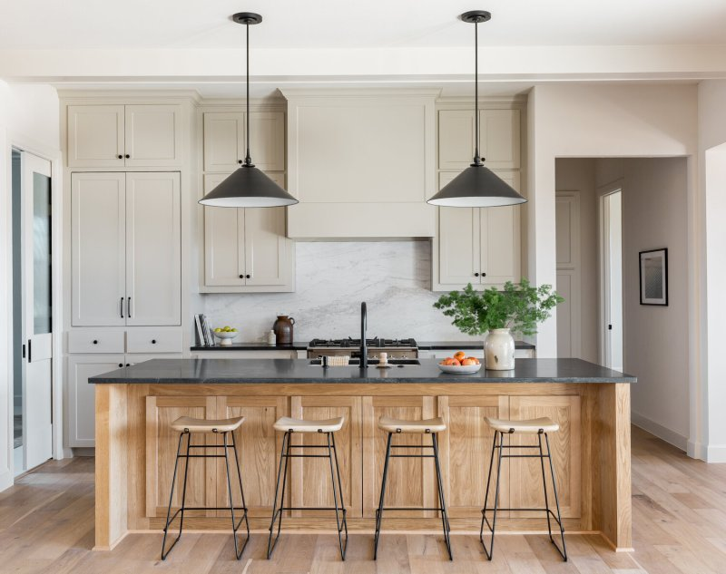 Kitchen renovation inspiration image via High Street Homes, designed by Brett & Kara // Sima Spaces kitchen renovation