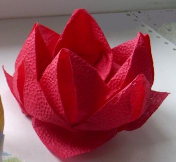 Origami lotosas iš servetėlės