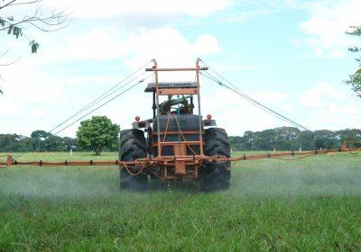 Los suelos gallegos tienen restos de 78 sustancias tóxicas prohibidas hace años
