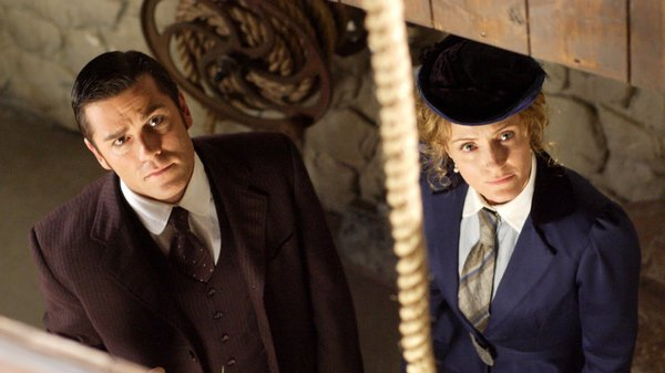 Murdoch Mysteries - Raised on Robbery