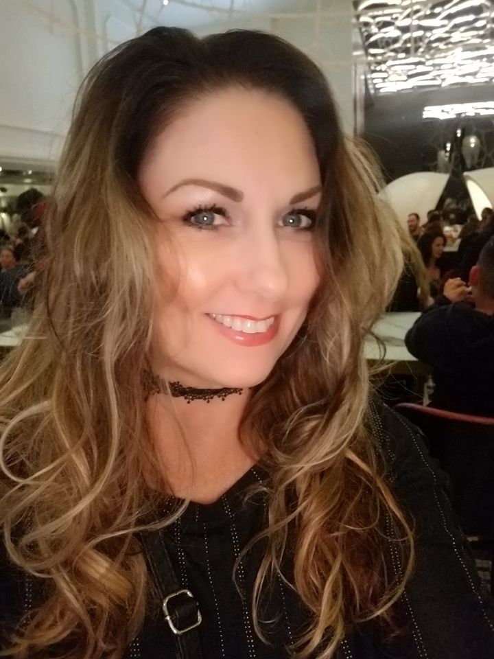 Rich Mummy In USA Ready To Date a Man- Contact Her Now