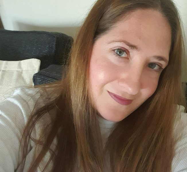 This S ugar Mummy In California USA Wants To Offer Her Man Job — Apply Now