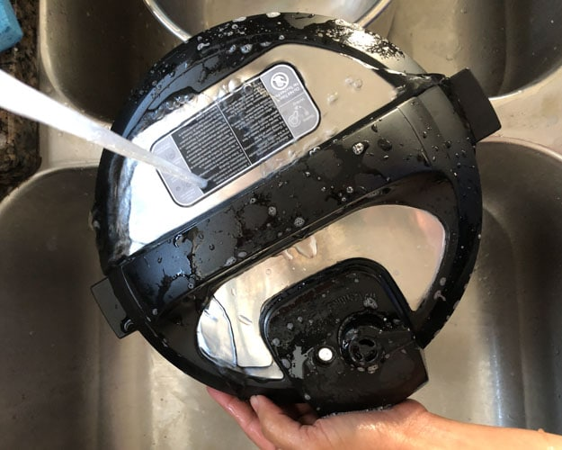 Cleaning Instant Pot lid with soap and water