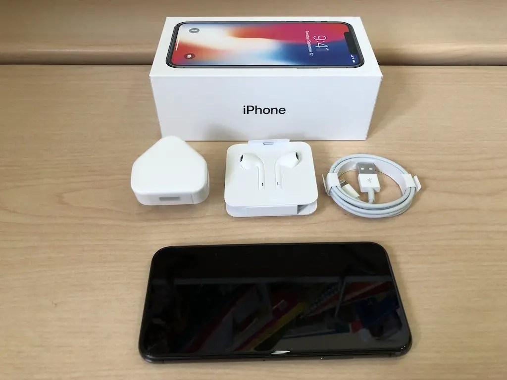 iPhone X Unboxing Photos