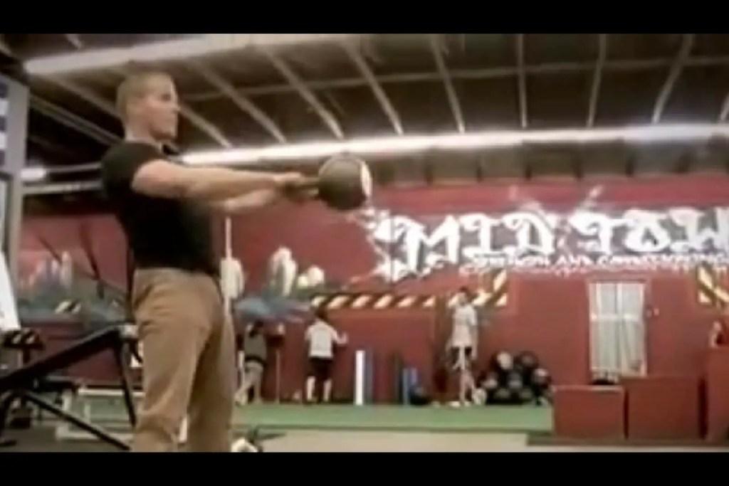 tim-ferriss-4-hour-body-kettlebell-swing