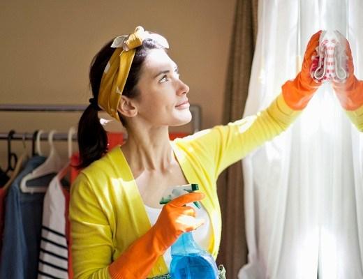 cum curatam ferestrele
