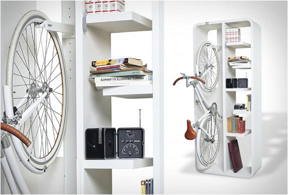 byografia-bookbike-bookcase