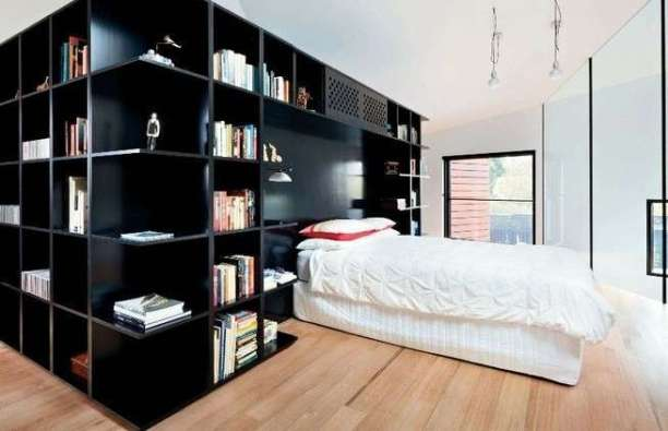 parete-libreria-in-camera-da-letto