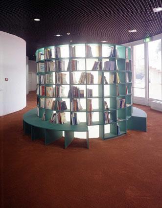 L'installazione di Massimo Bartolini