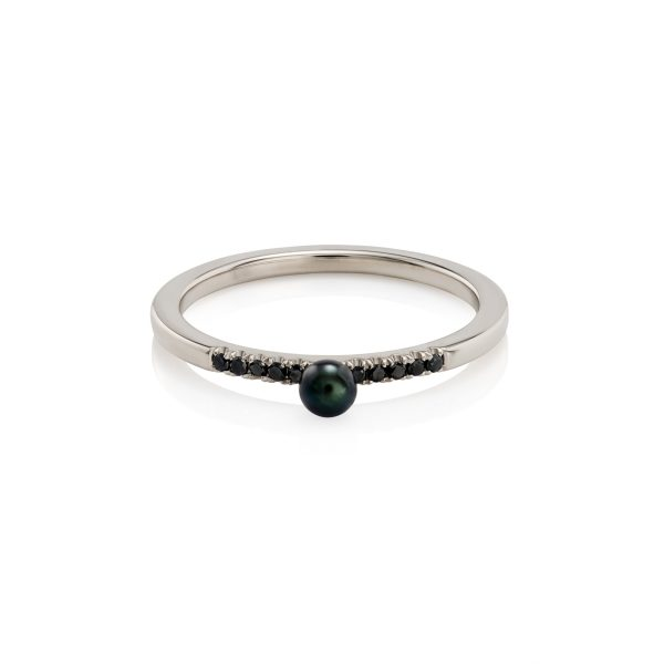 Black Pearl and Diamonds Ring