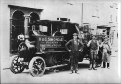 1910c Steam Dray with draymen