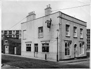 25 Gloucester Lane, Old Market, The Coach & Horses c1960. Later an Ushers pub