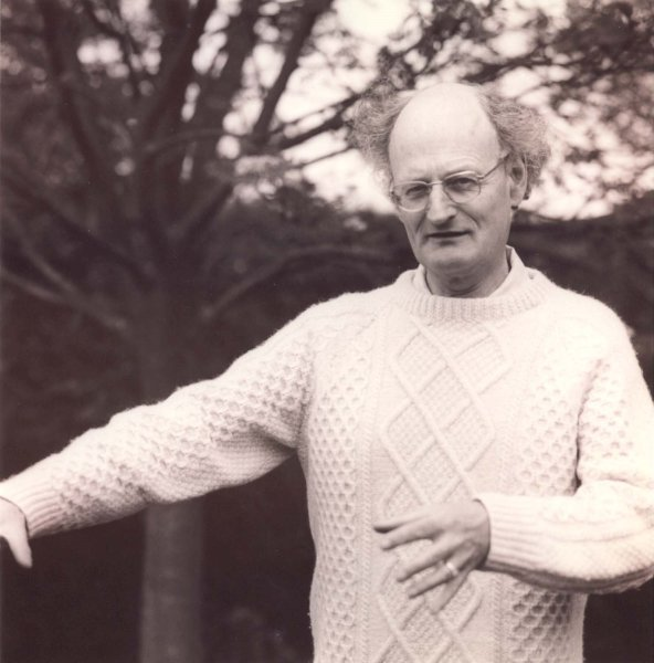 Hare RM 1985a